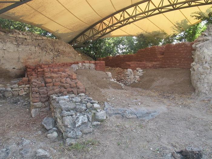 Ön Odalı Yapı (Megaron)